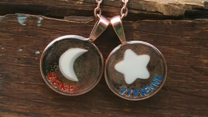 Jewelry made of breast milk: A