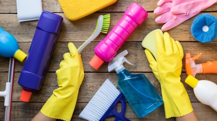 18 house cleaning hacks for people