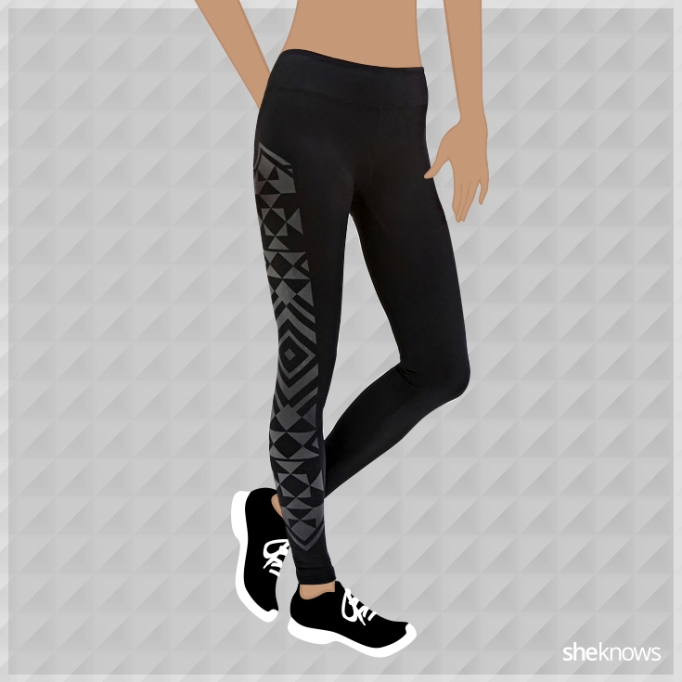 Forever 21 black leggings with pattern