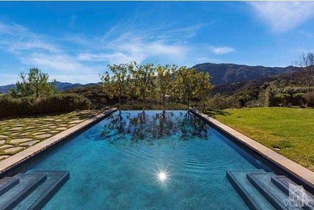 Britney's infinity pool