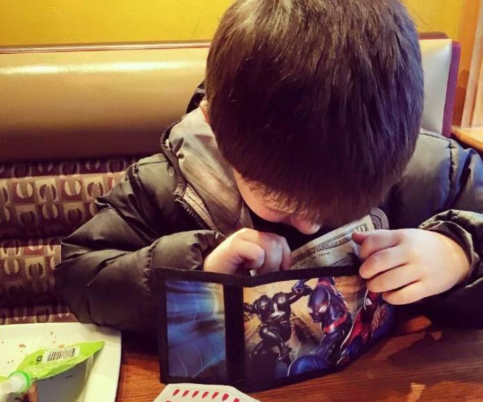 Teen mom's photo of little boy