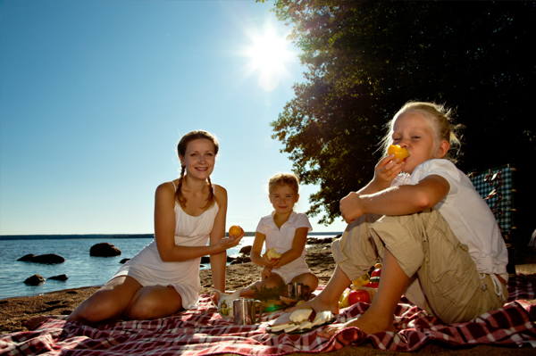 Mom and daughter picnic