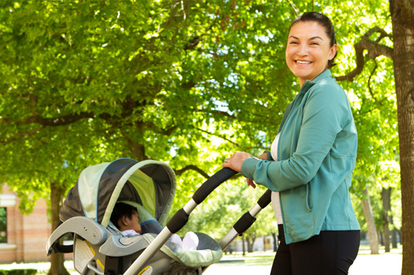 mom-exercising-with-stroller