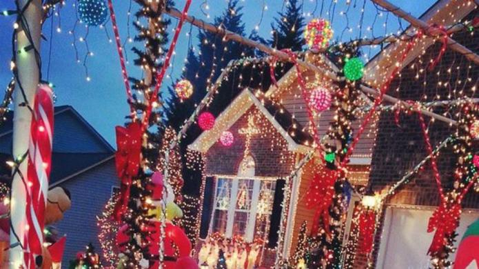 13 Homeowners who think Christmas decorating