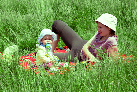 Mother and baby on a spring picnic | Sheknows.com