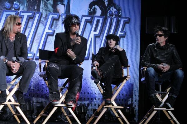 Mötley Crüe announces their retirement