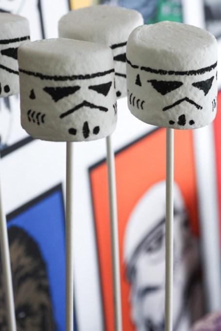 Star Wars stormtrooper marshmallow pops