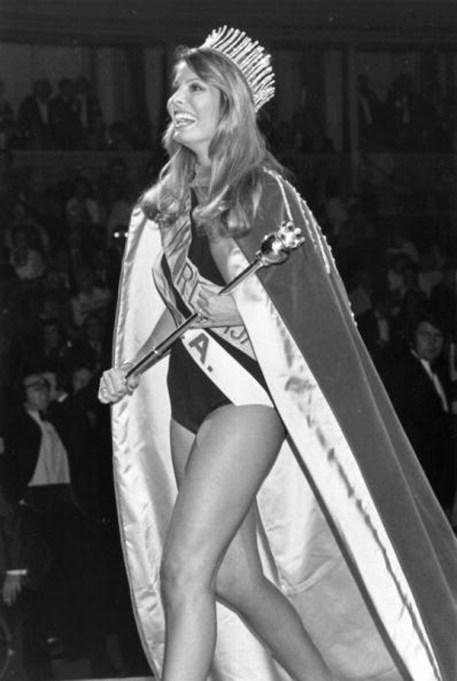 Marjorie Wallace winning Miss World