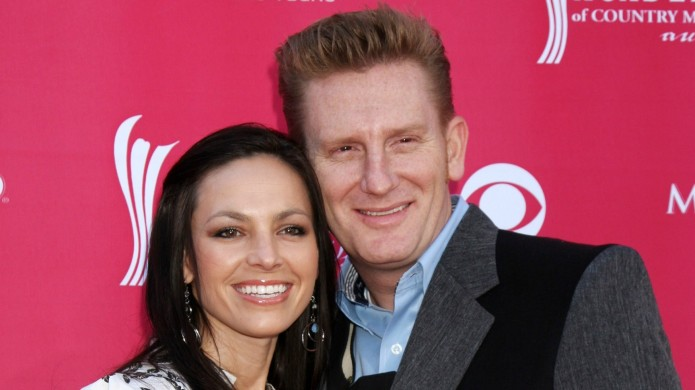 Joey Feek shares adorable photos celebrating