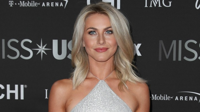 Julianne Hough thought mooning her fans