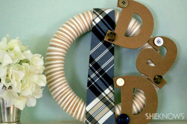 Make a fun DIY wreath for