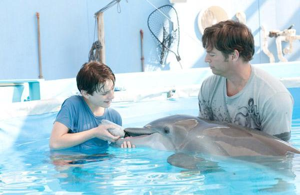Harry Connick Jr. sings Dolphin Tale's
