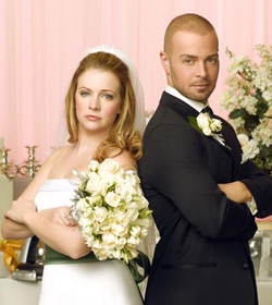 Melissa Joan Hart and Joey Lawrence fake a wedding