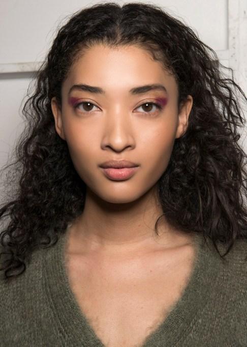 Summer Beauty Ideas For When It's Crazy-Hot | A faux cat eye