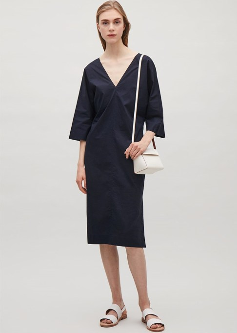 Black Summer Dresses To Live In This Season: COS V-Neck Caftan Dress | Summer Style 2017