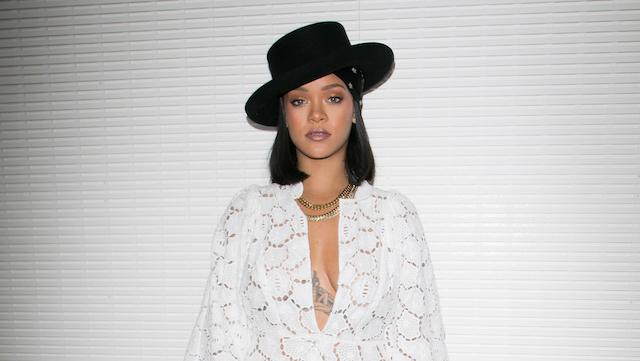 Celebs who love weed: Rihanna
