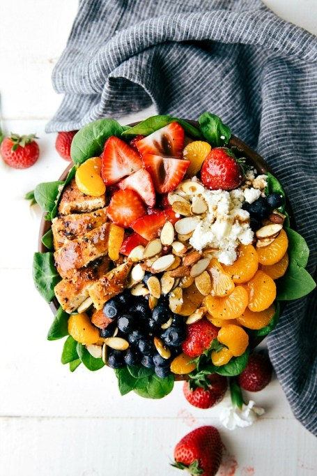 50 Easy Summer Salads: Almond, Berry And Chicken Spinach Salad | Summer Eats