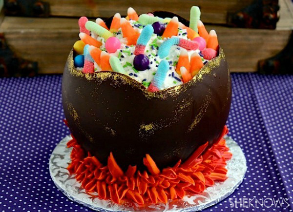 34 Halloween foods that'll take your party to the next level: Chocolate cauldron cake