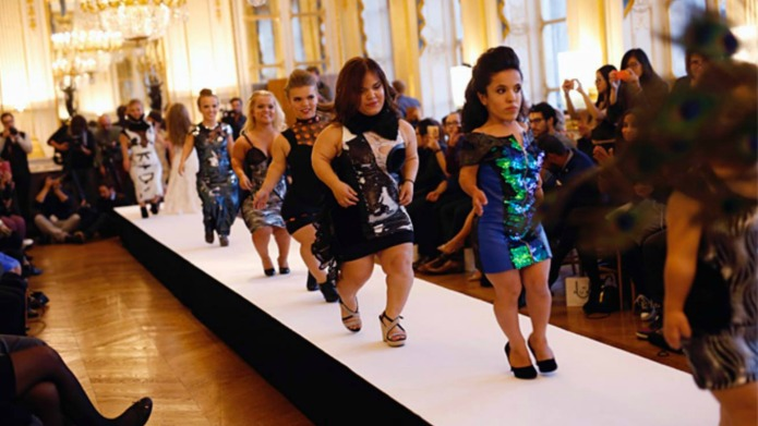 Dwarf Fashion Show proves small is