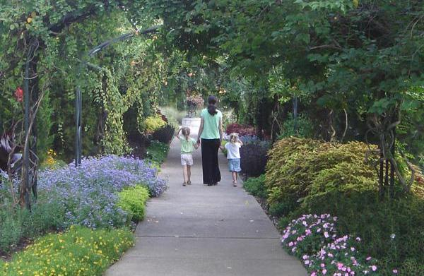 4 Inexpensive end-of-summer family vacations