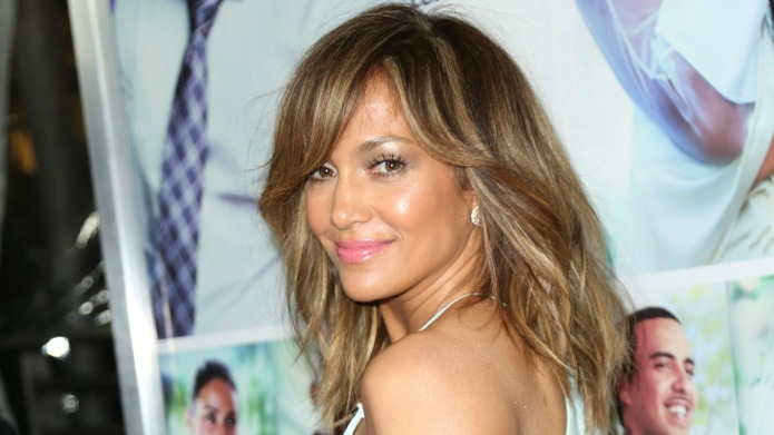 Jennifer Lopez ridiculously fat-shames herself on