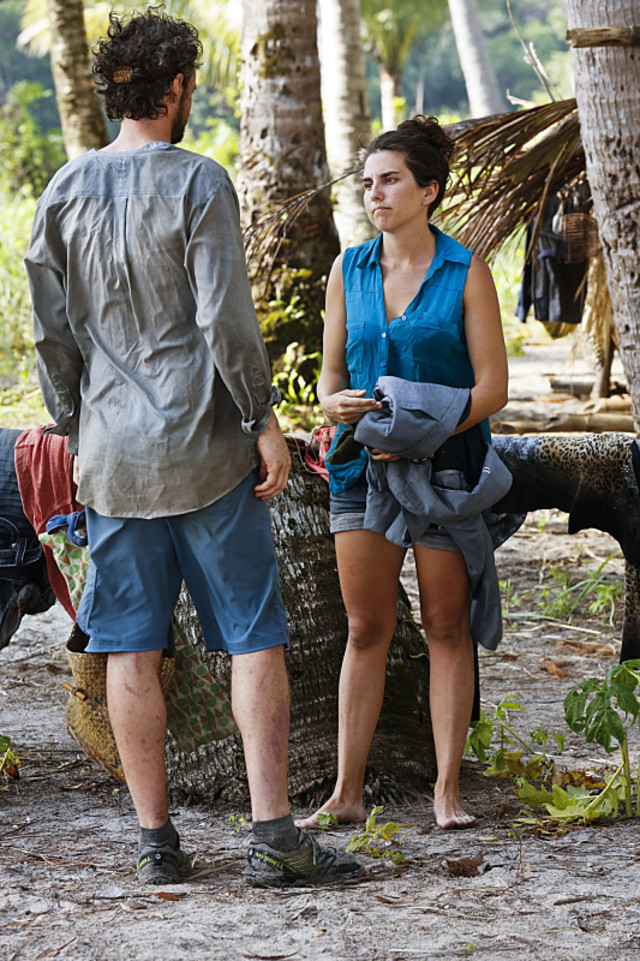 Neal Gottlieb chats with Aubry Bracco on Survivor: Kaoh Rong