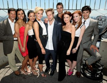 New Melrose Place cast features Laura Leighton (c) and Ashlee Simpson (r)