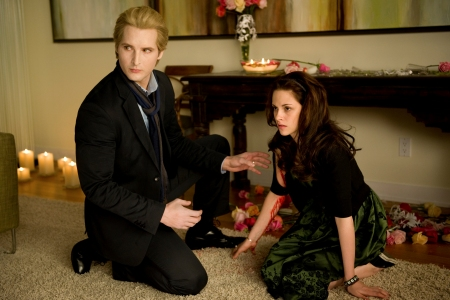 Bella and Dr Cullen begin to worry in New Moon