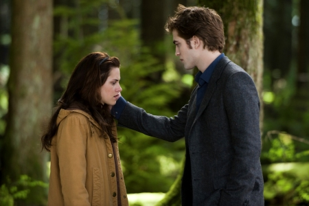 Kristen Stewart and Robert Pattinson in New Moon, out November 20