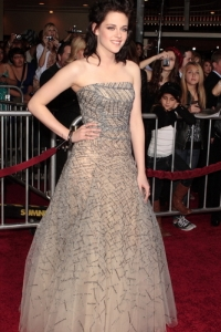 Kristen Stewart dazzles at the LA premiere of New Moon
