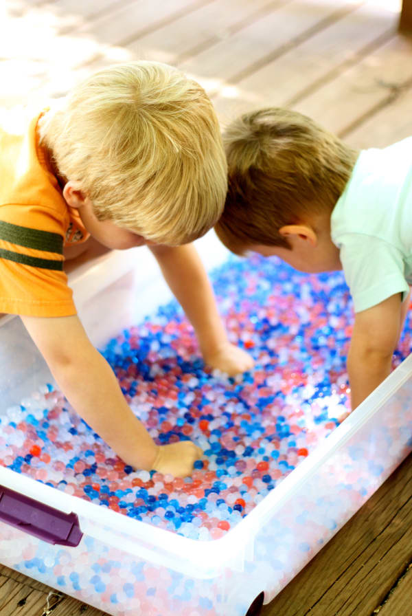 Fourth of July sensory water beads activity