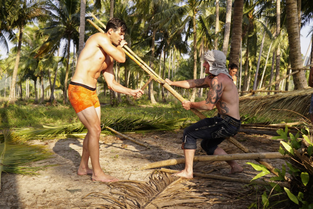 Nick Maiorano works with Caleb Reynolds at Beauty camp on Survivor: Kaoh Rong