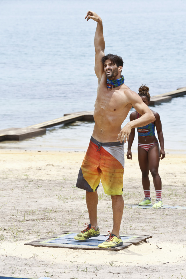 Nick Maiorano competes in challenge on Survivor: Kaoh Rong