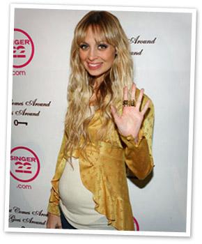 Nicole Richie's stylish pregnancy fashion