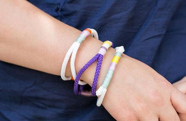 DIY mother-daughter embroidered rope bracelets