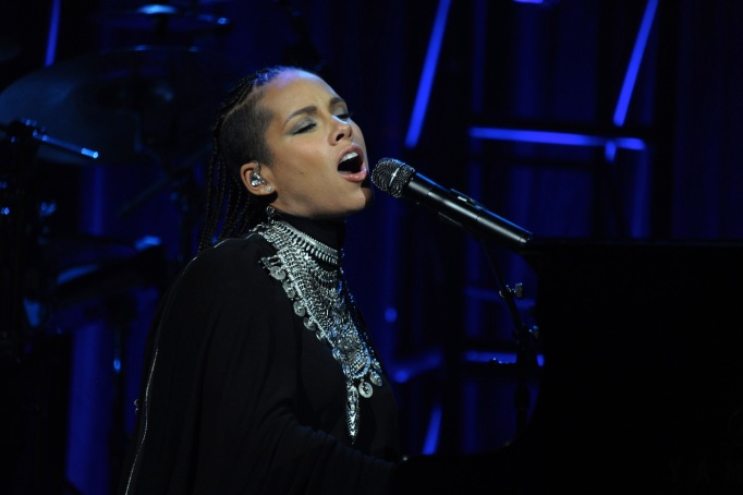 Alicia Keys free concert and opening act Goapele