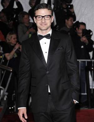 Celebrity trend: Nerdy chic glasses