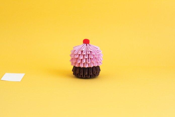 Origami cupcake DIY for kids is