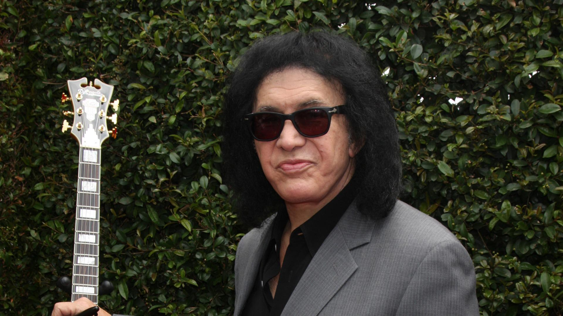 2570ab8203 Gene Simmons  Stop depending on men and get a job – SheKnows