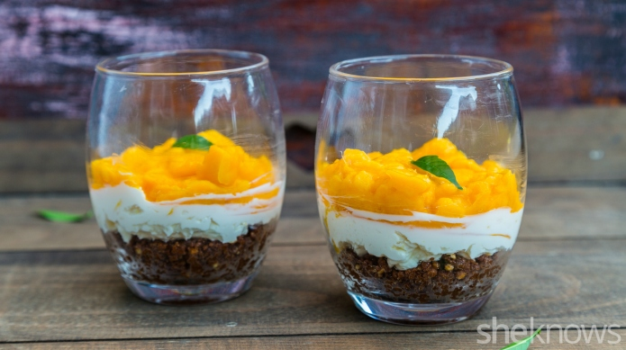 No-bake mango-chocolate cheesecakes: The cutest party