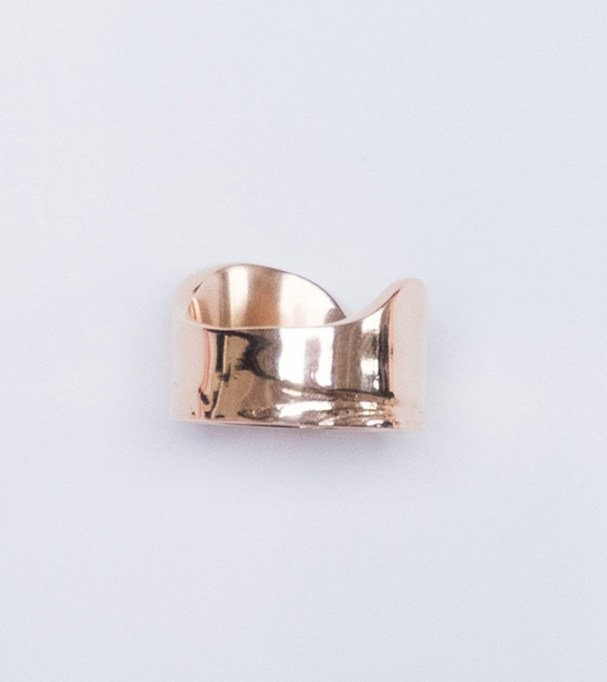 Chunky Jewelry Is Making a Comeback: Leigh Miller Rose Gold Wave Ring | Fall Style 2017