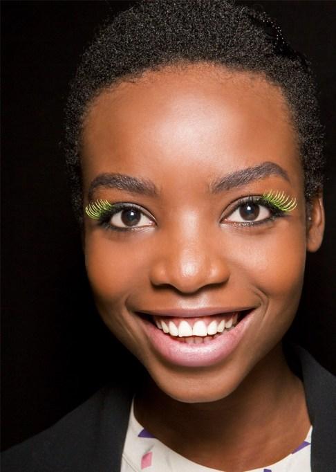 30 Summer Makeup Ideas: Yellow Mascara