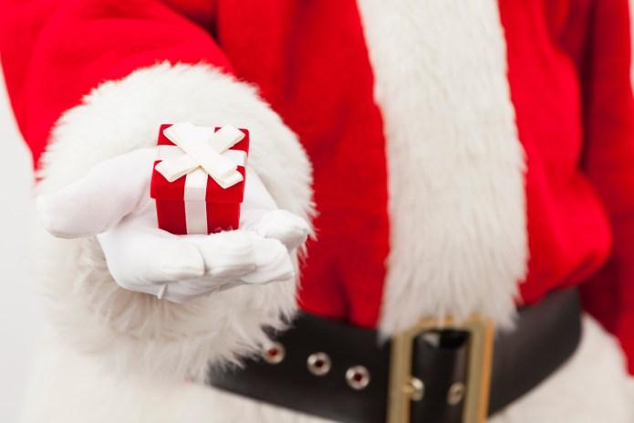 Mom furious at Santa's treatment of