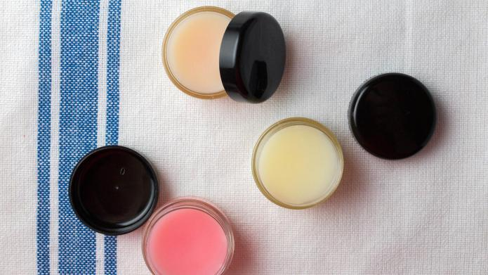 DIY honey-lemon lip balm