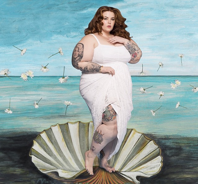Tess Holliday in white dress
