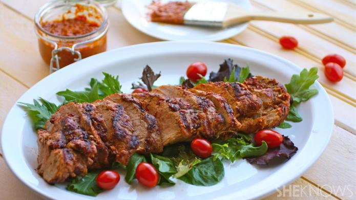Grilled pork tenderloin with spicy harissa