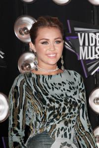 Miley Cyrus thanks Joan Jett for