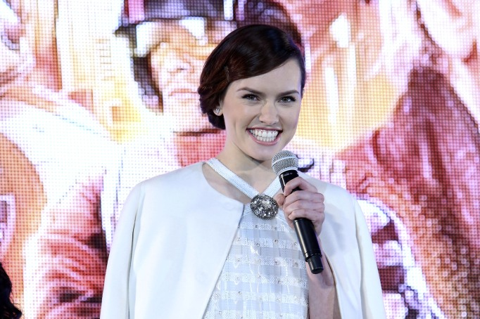 Daisy Ridley is a triple threat: she can sing, act, and dance