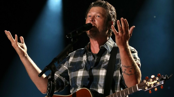 Blake Shelton gambling addiction