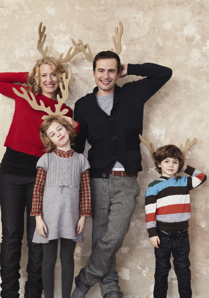 16 family christmas card photo ideas that will wow your relatives rh sheknows com christmas picture outfit ideas for family christmas picture ideas for family